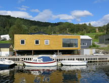 Sognefjord, Nordfjord, Sunnfjord - Vakantiehuis Naustdal (FJS556)