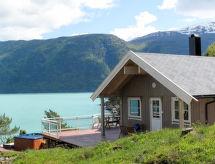 Sognefjord, Nordfjord, Sunnfjord - Vakantiehuis Vik (FJS618)
