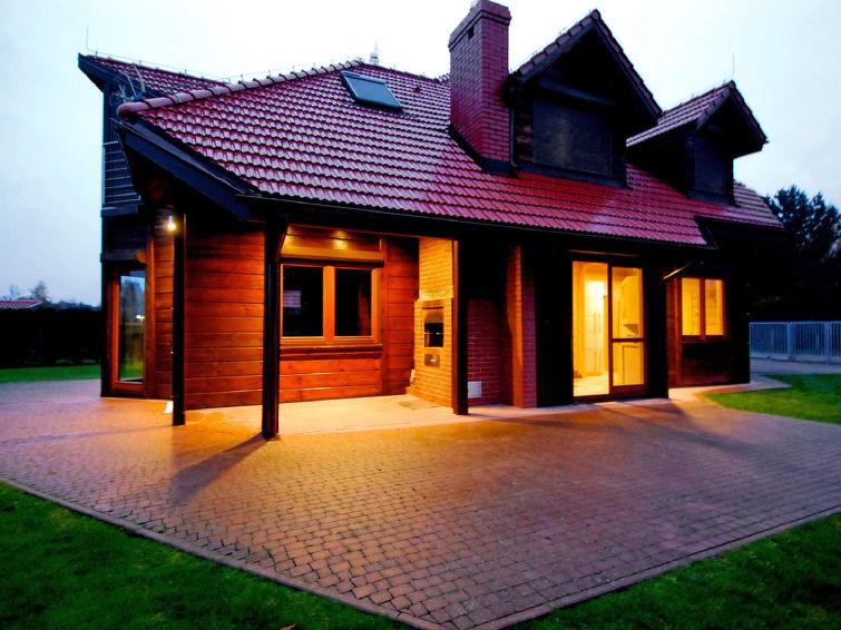 Casa de vacaciones Drewniany z bala con ducha y permiso de mascotas