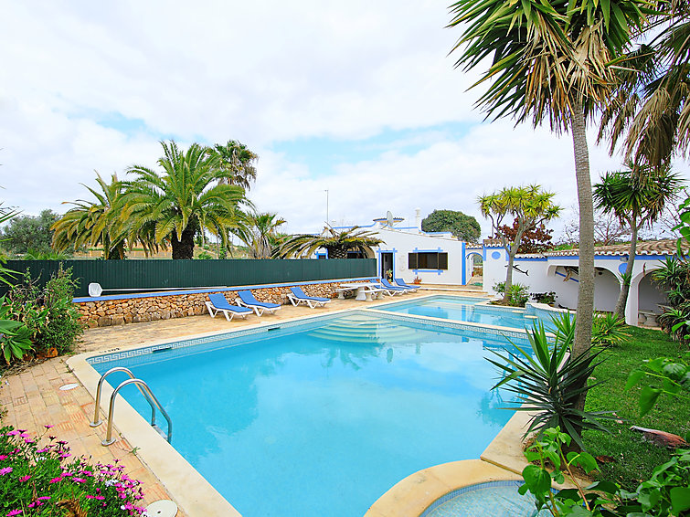 Villa Casa Bartolomeu at the Algarve with swimmingpool (6p) (I-265)