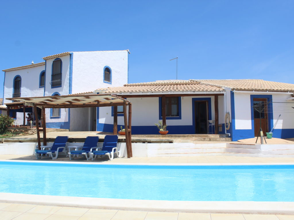 Holiday home Dos Tituetos (ILE110)
