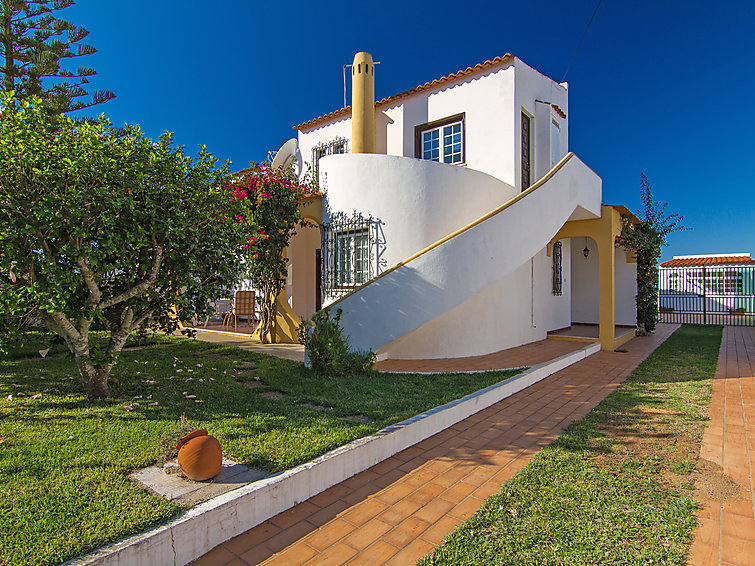 Villa Casa Azinheira for 8 persons with private swimmingpool at a distance of 2 km from the beach (I-273)