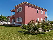 Casa das Amendoeiras