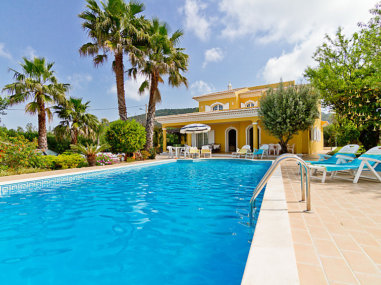 Villa Monte da Torre V4 with 4 bathrooms and an outside swimmingpool (8p) (I-270)