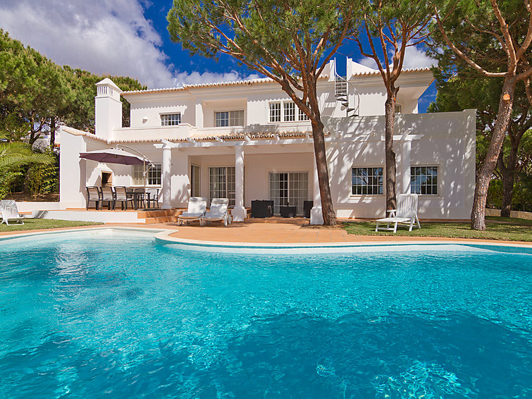 Villa Casa Praia Verde (8p) with private swimmingpool and nearby the beach in Monte Gordo, Portugal (I-237)