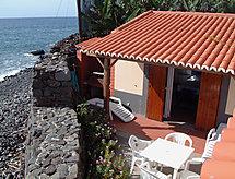 Casa Faja dos Padres con terraza y tv