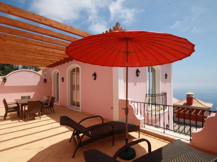 Ferienhaus 3-bedroom Villa with Sea View