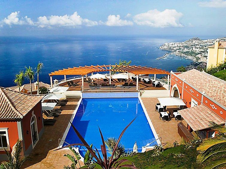 Village 3 bed sea view