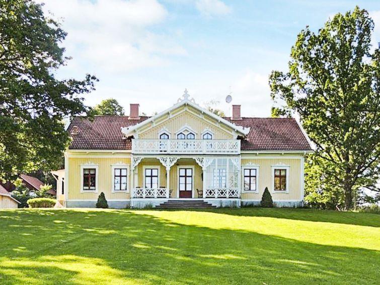 Ferie hjem Örebro med mikrobølgeovn og tæt restaurant