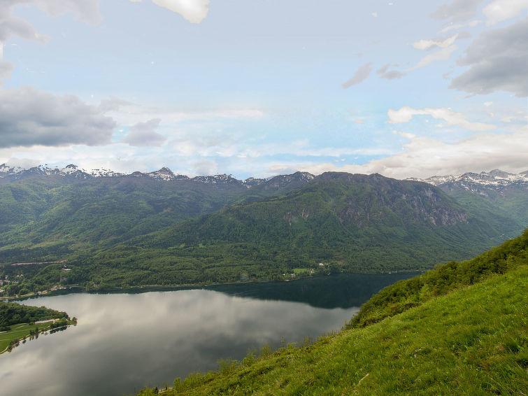 Mountain chalet Vogar
