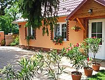 á con jardín y patio