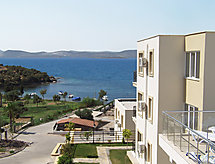Bodrum apartments with washingmachine and balcony