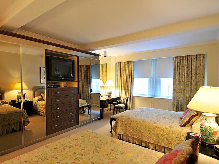 Fine Apartment Manhattan Residence In New York Manhattan Us1000 Download Free Architecture Designs Ferenbritishbridgeorg