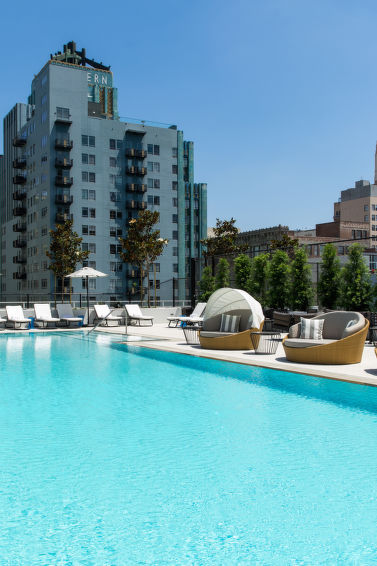Ferielejlighed Olive Street med opvarmet pool og reception