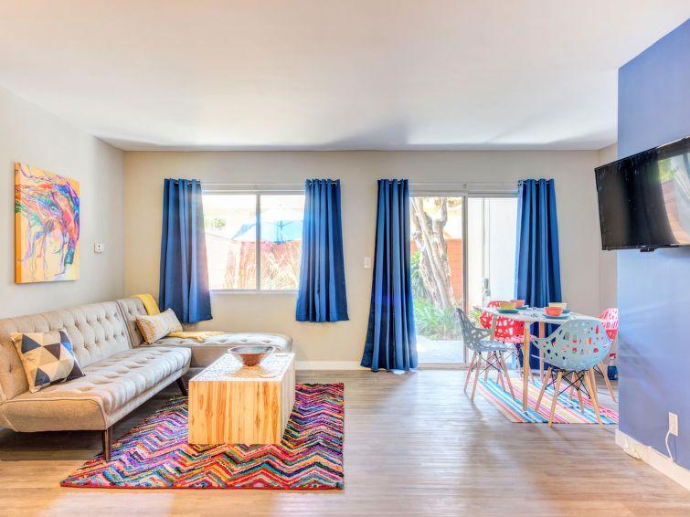2512 Santa Monica Apartment