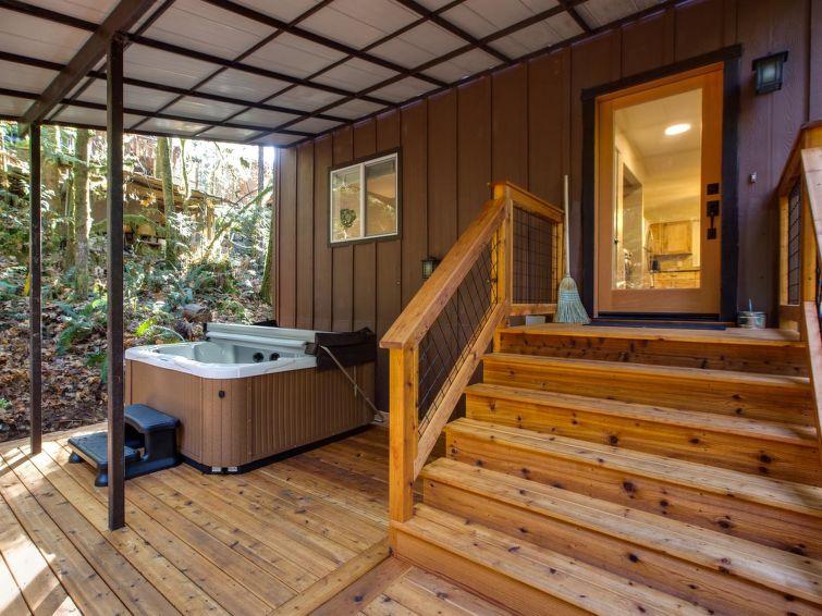 Mt. Baker Lodging - Snowline Cabin #69SL - Upscale - Hot Tub - BBQ - Sleeps 8 - Chalet - Mt. Baker