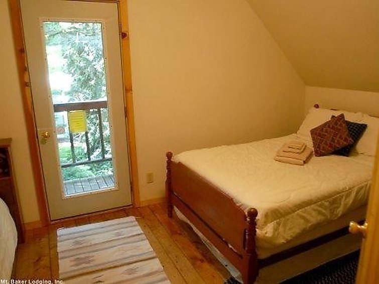 32MBR Private Pet Friendly Cabin - 9