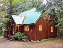 32MBR Private Pet Friendly Cabin