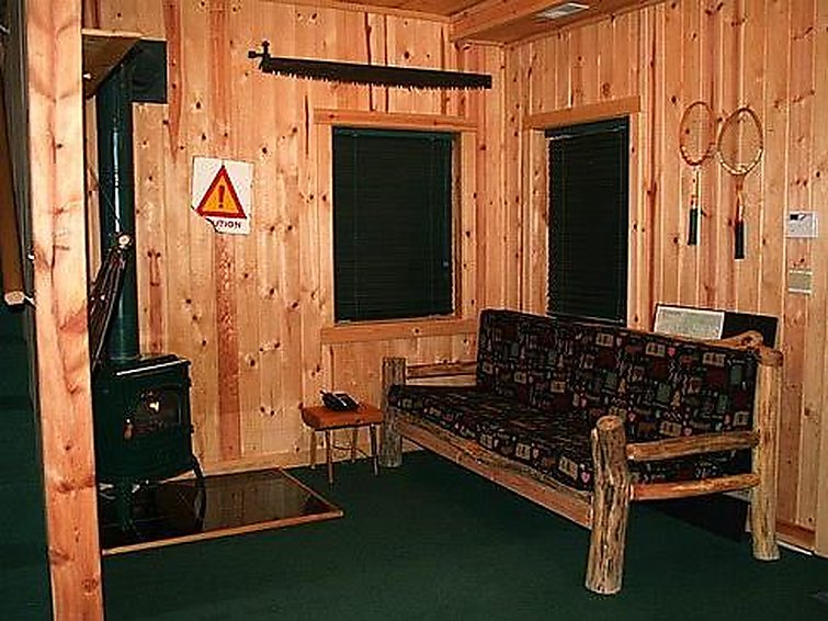 47SL Mountain Cabin with a Hot Tub - 0