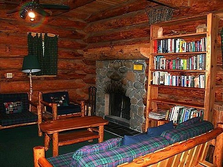 47SL Mountain Cabin with a Hot Tub - 2
