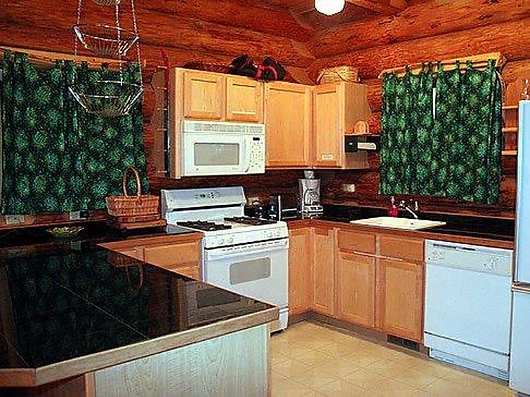 47SL Mountain Cabin with a Hot Tub - 5
