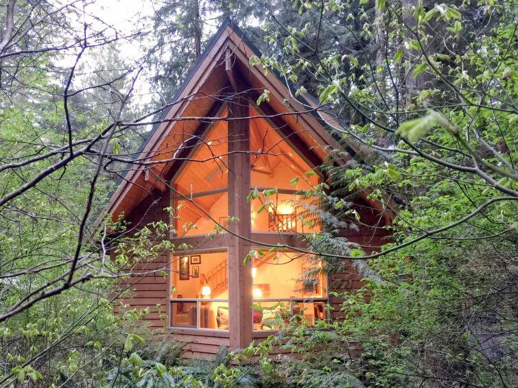 Ferie hjem 04SL Cedar Cabin with Hot Tub!