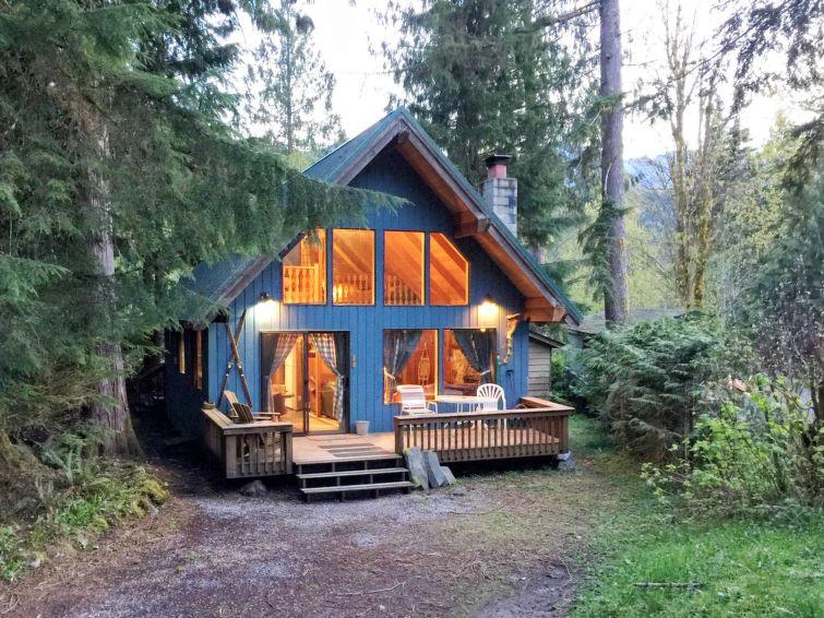 53MBR Cozy Cabin w/ Hot Tub