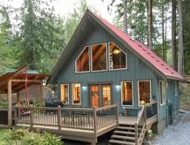 Mt. Baker/Glacier - Holiday House 99MBR Woodsy Cabin w/ Hot Tub +WiFi